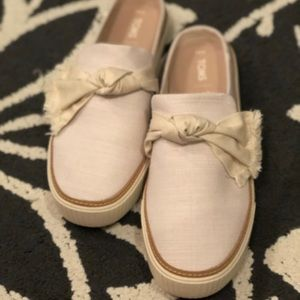 Toms Natural Heritage Canvas with Knot Slip On